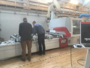 Vores nye 'legetøj': CNC-fræsemaskiner til bindingsværkssamlinger på Snedkerskolen NEXT-Uddannelse.